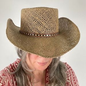 Cacique Straw Hat with Leather Band